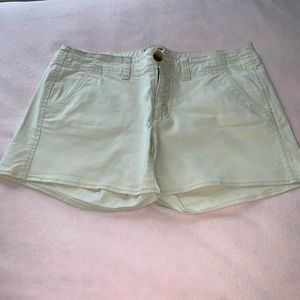 AMERICAN EAGLE OUTFITTERS Size 6 Shortie Shorts